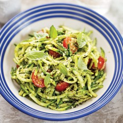 Courgetti with tomatoes, grilled corn and herb dressing