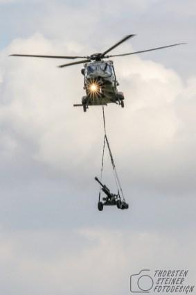 Transport einer 2-Tonnen-Haubitze