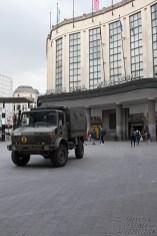 Hauptbahnhof mit Militärfahrzeug