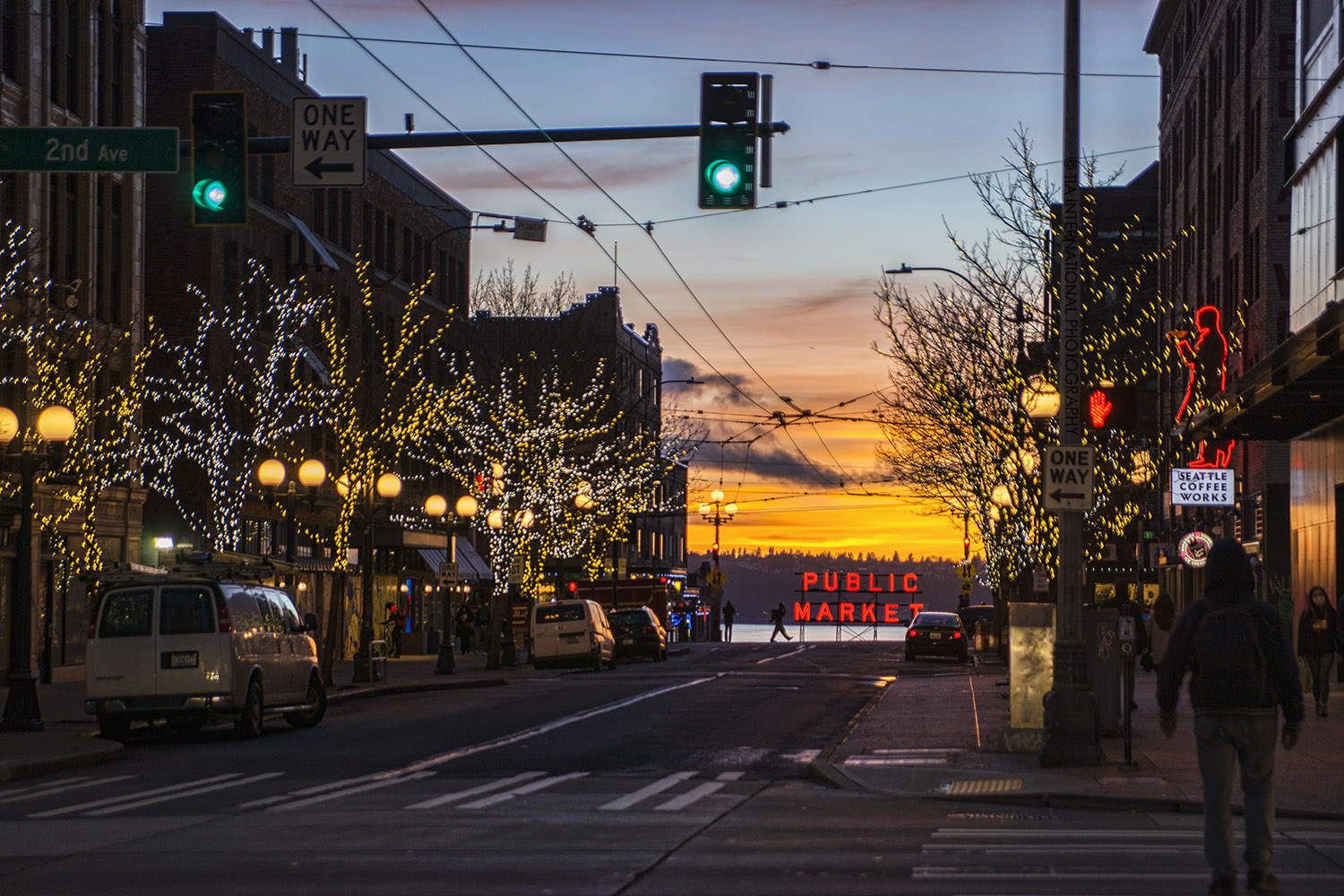 Intersection of Pine Street & Second Avenue in downtown Seattle during the holiday season. (December 2020)