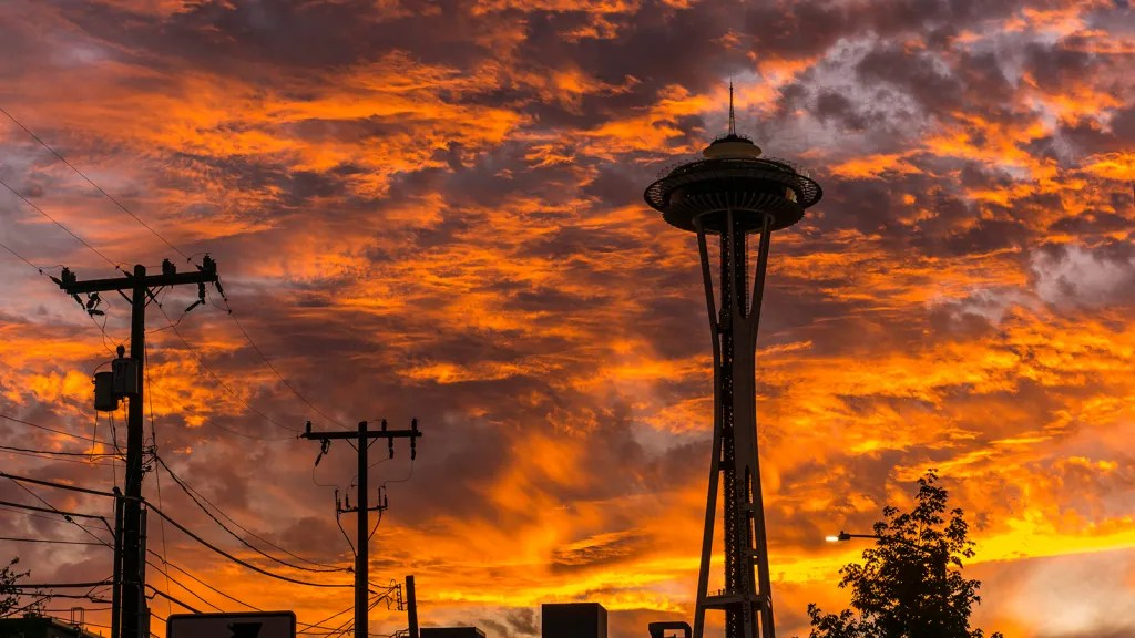 Space Needle at sunset / Seattle / September 24, 2021.