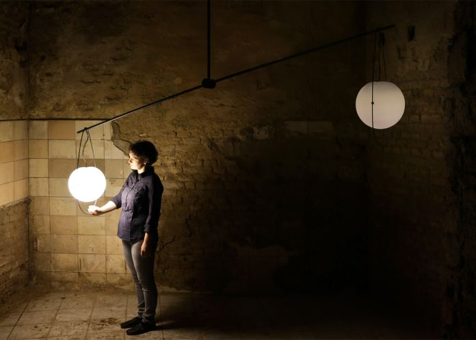 equilumen-mischer-traxler-light-distribution-glas-sphere-design-lighting-motion_dezeen_1568_8