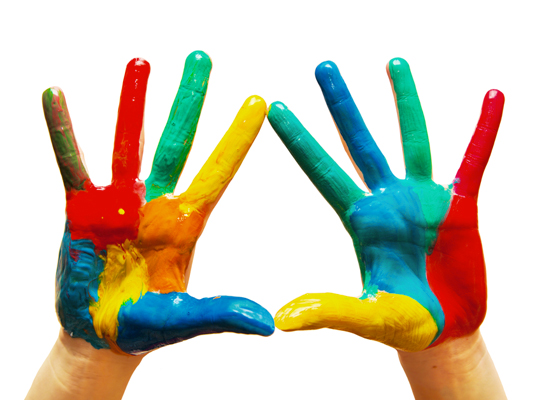 manos pintura arte niños