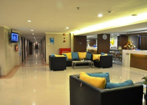 http://cdn01.tiket.photos/img/business/e/v/business-everyday-smart-hotel-malang-hotel-malang-7072.picture525x375.jpg
