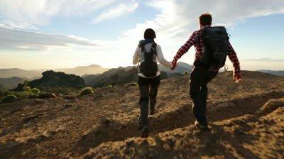 couple-hiking-together-romantci
