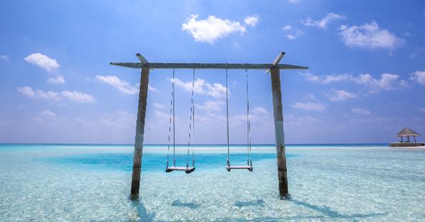 Pulau Cinta Gorontalo - Bermain Ayunan di Pantai