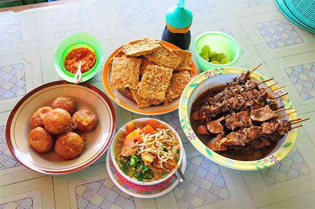 Makanan Khas Semarang - soto bangkong