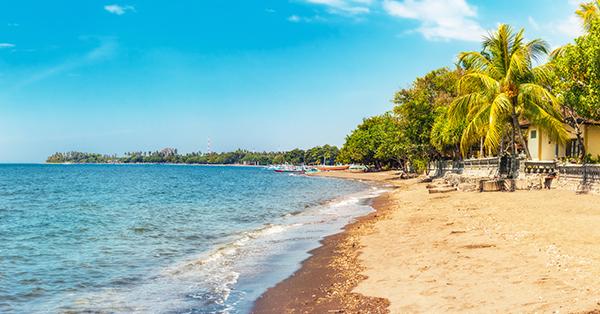 Tempat Wisata Romantis di Bali - Lovina Beach