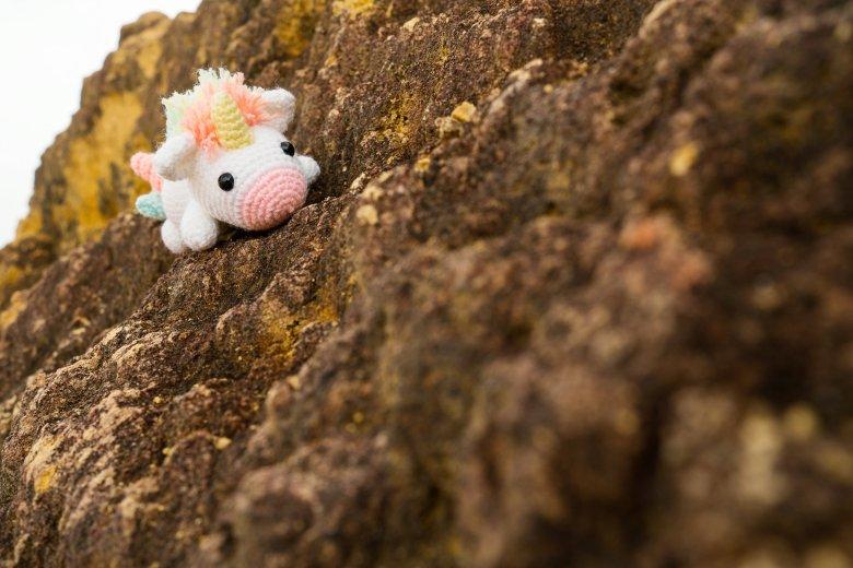 Tiny Rabbit Hole - We have been scammed :'( - unicorn amigurumi - crochet