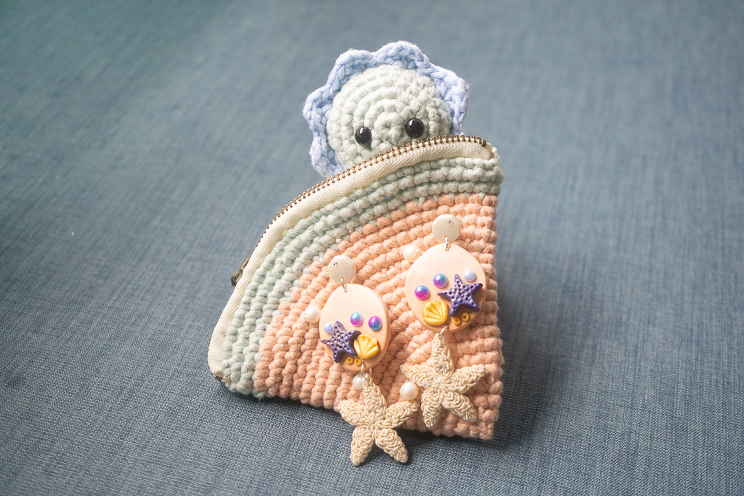 tiny rabbit hole - Crocheted earring giveaway with a crochet starfish on a watermelon purse