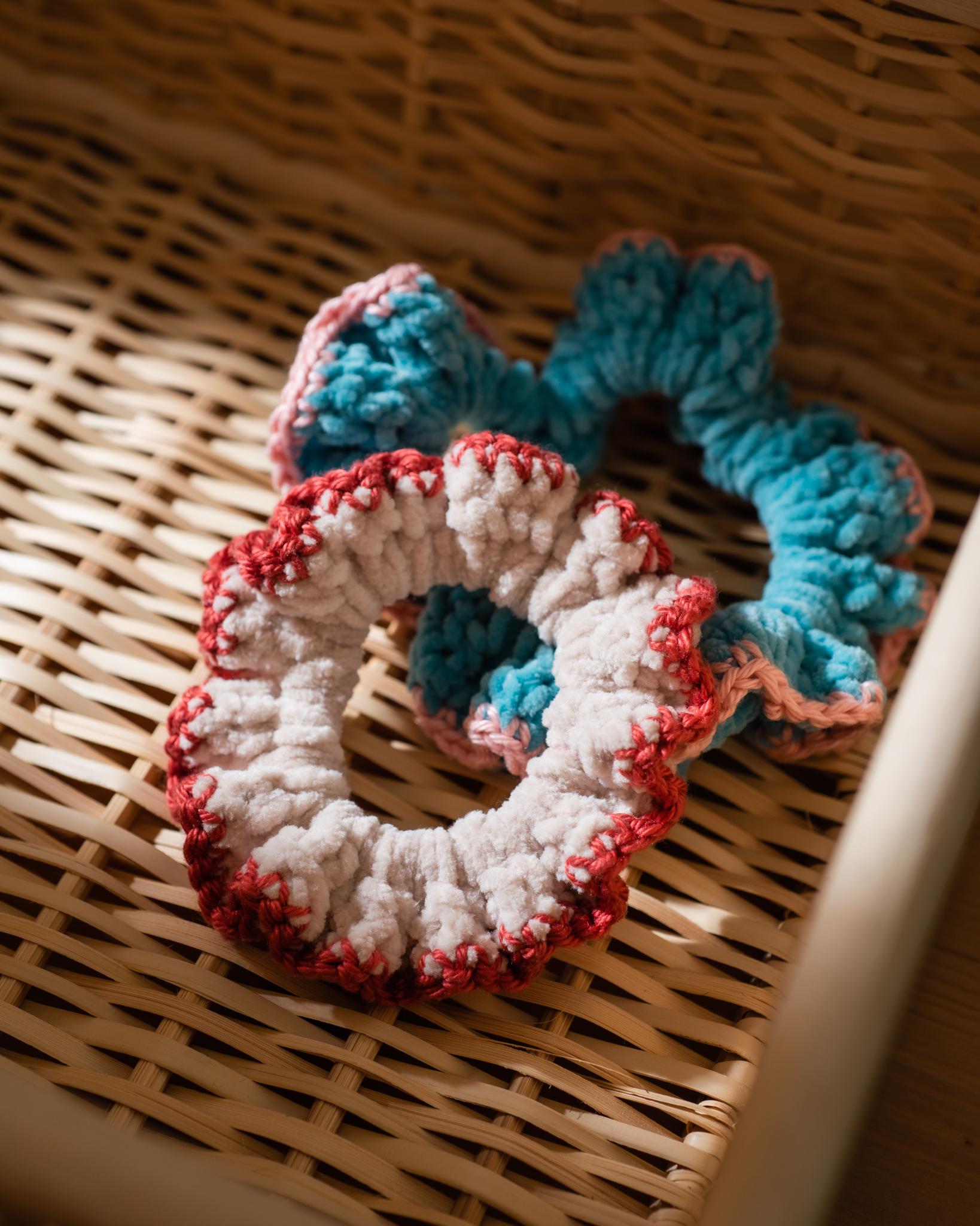 tiny rabbit hole scrunchie crochet pattern free handmade free pattern freebie hair tie