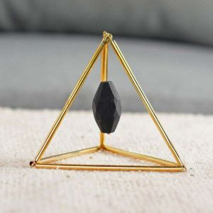 Geometric Design Table Decor with Hanging Shungite