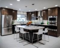 Modern Envy kitchen spotlights Top Knobs Nouveau hardware ...