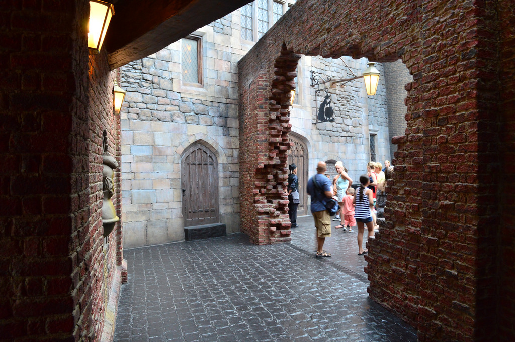 Six Reasons We Love Universal's DIAGON ALLEY