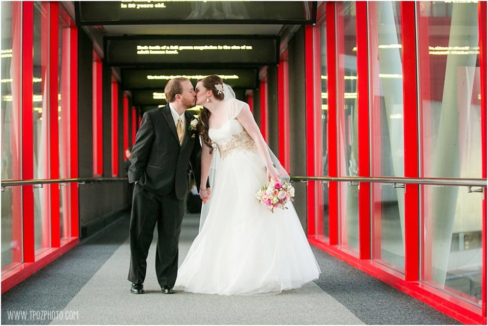 National Aquarium wedding photos •  tPoz Photography  •  www.tpozphoto.com