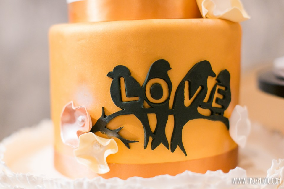 Baltimore Cakery - Baltimore Bride Aisle Style Event 2015  •  tPoz Photography  •  www.tpozphoto.com