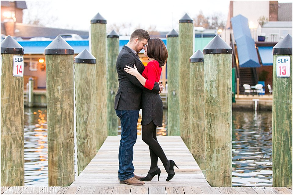 Annapolis Engagement Photos || tPoz Photography || www.tpozphotoblog.com