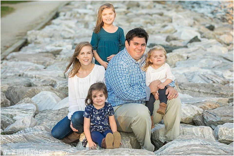 Jonas Green Park Family Portrait || tPoz Photography || www.tpozphoto.com