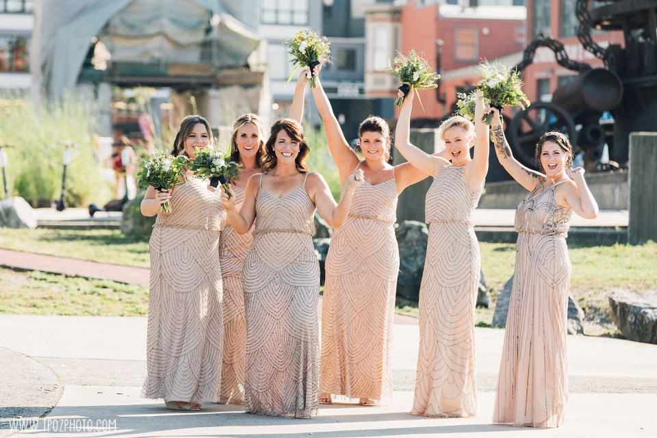 bridesmaids at a summer BMI wedding
