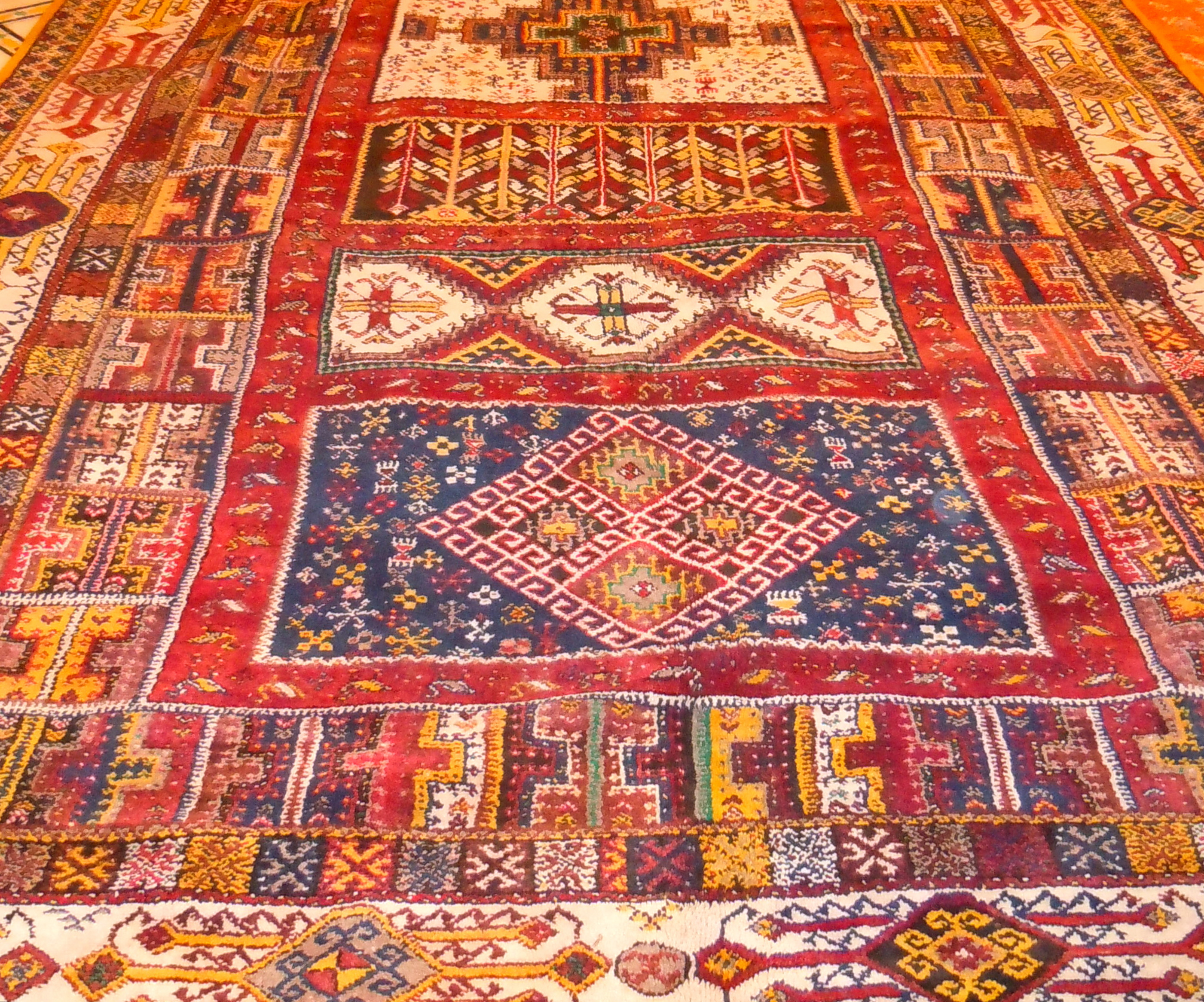 Berber Teppich Rabat Carpets Kelims And Textiles Your Morocco Tour Guide