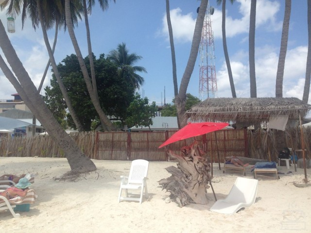 Bikini Beach yang dikelilingi pagar di Maafushi