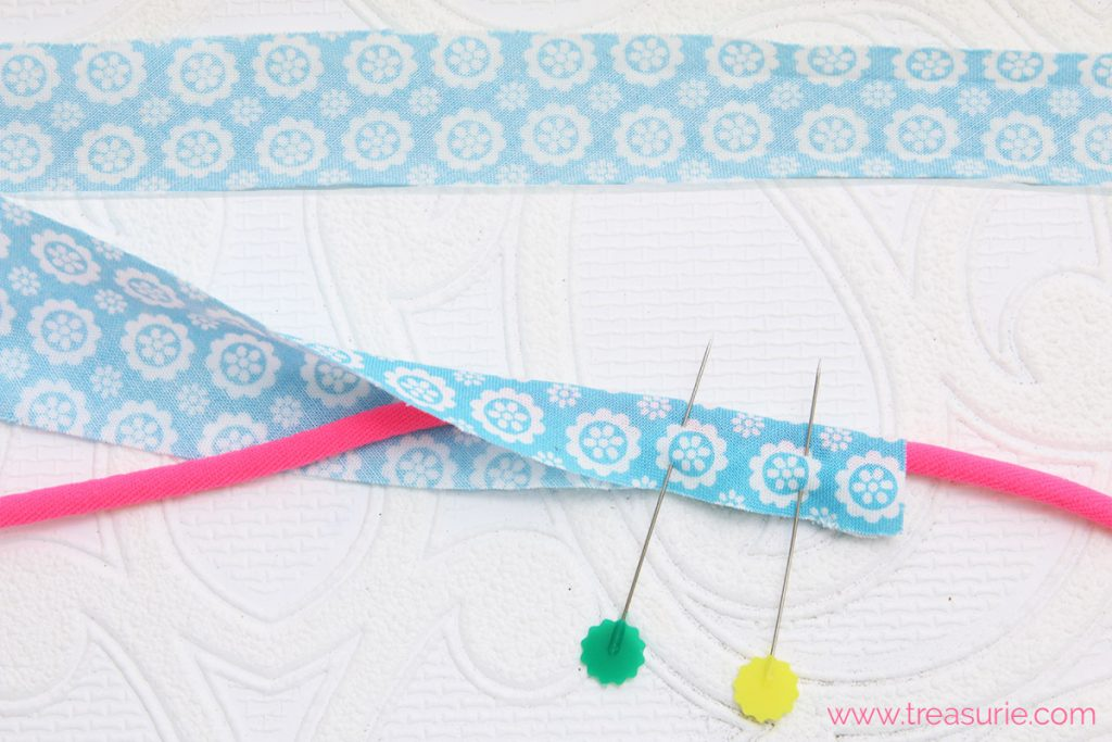 How to Make Piping - Pinning