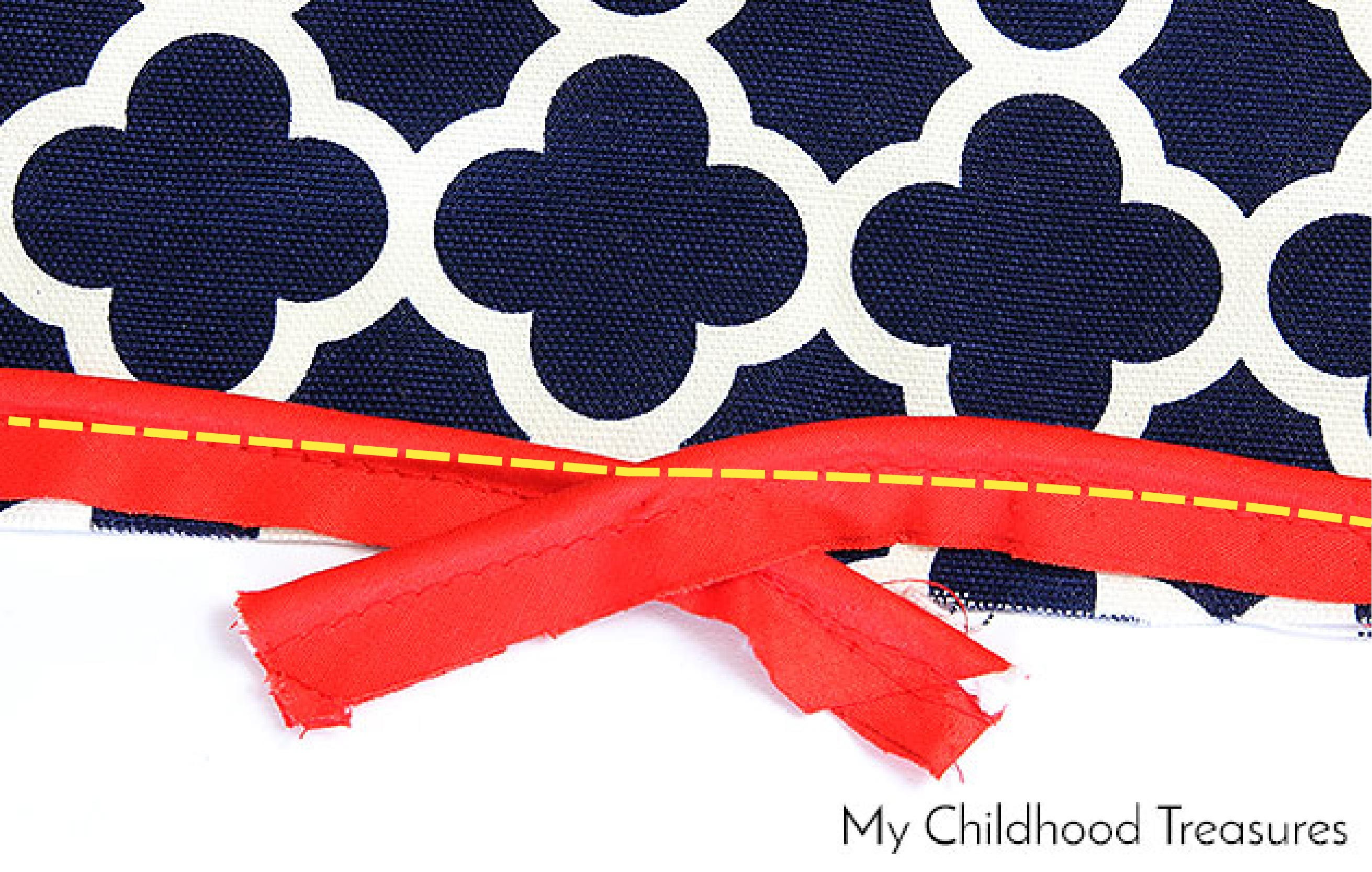 how-to-sew-a-cushion-cover-with-piping-12