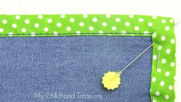 how-to-sew-bias-around-corners-mitre-14