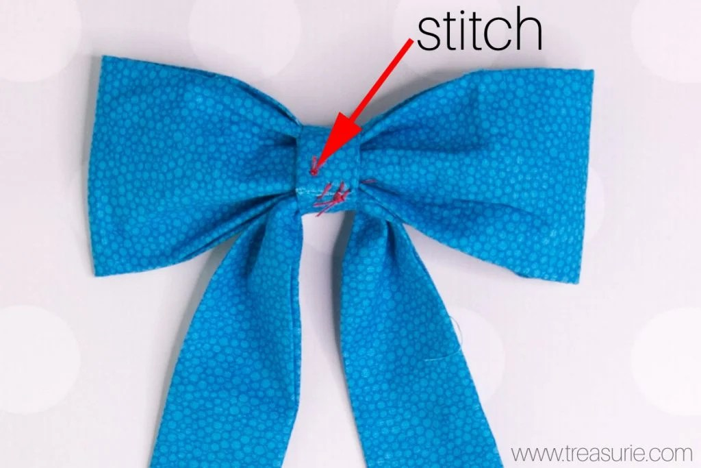 Large Fabric Bows Center