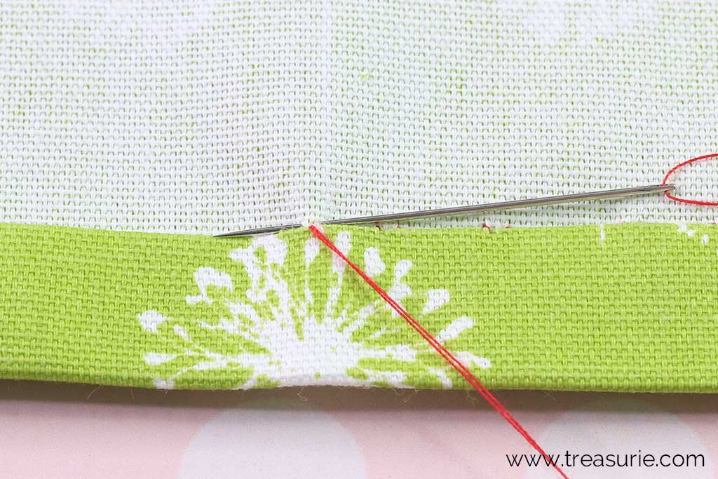 Slip Stitch - Stitch through Main