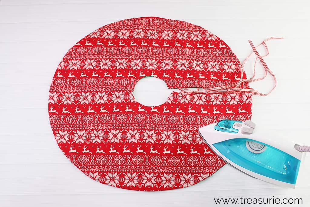Christmas Tree Skirt Pattern - Press