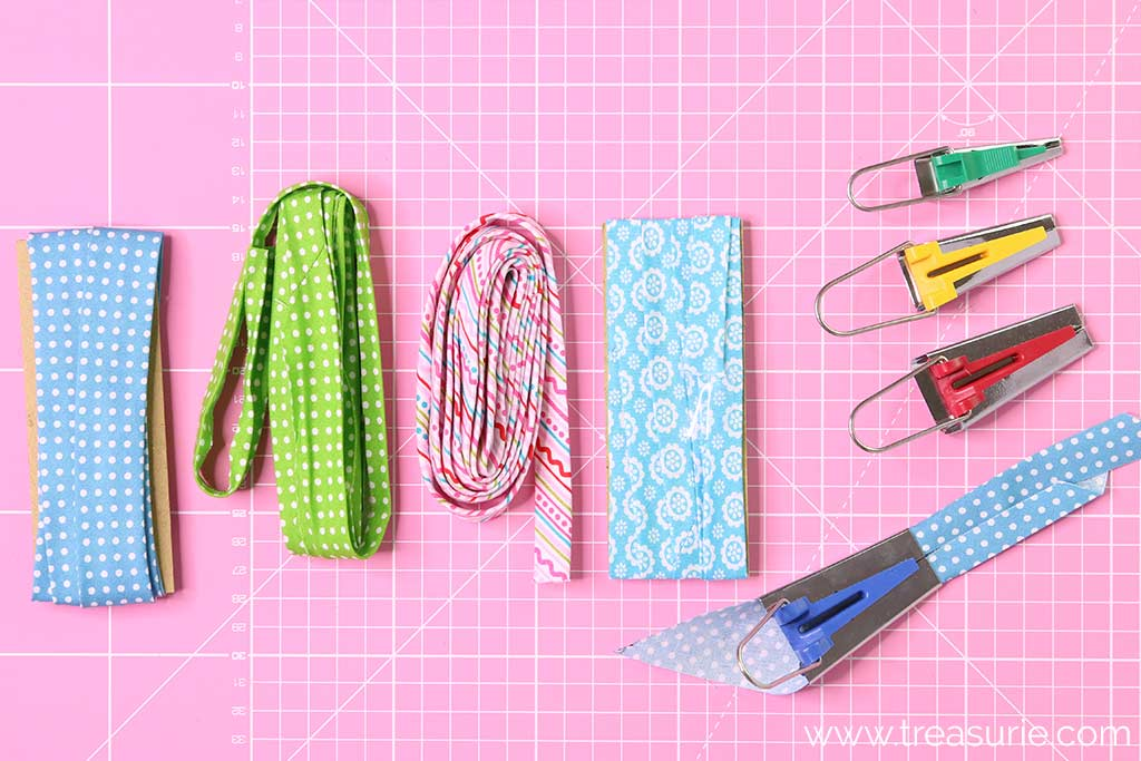 How to Use a Bias Tape Maker - Roll