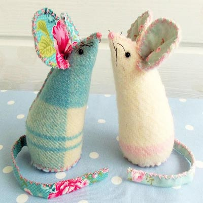 Pincushion Patterns #7 from Bustle and Sew
