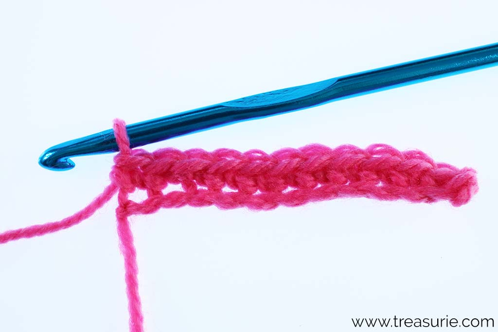 Chain Stitch Crochet as Foundation for Single Crochet
