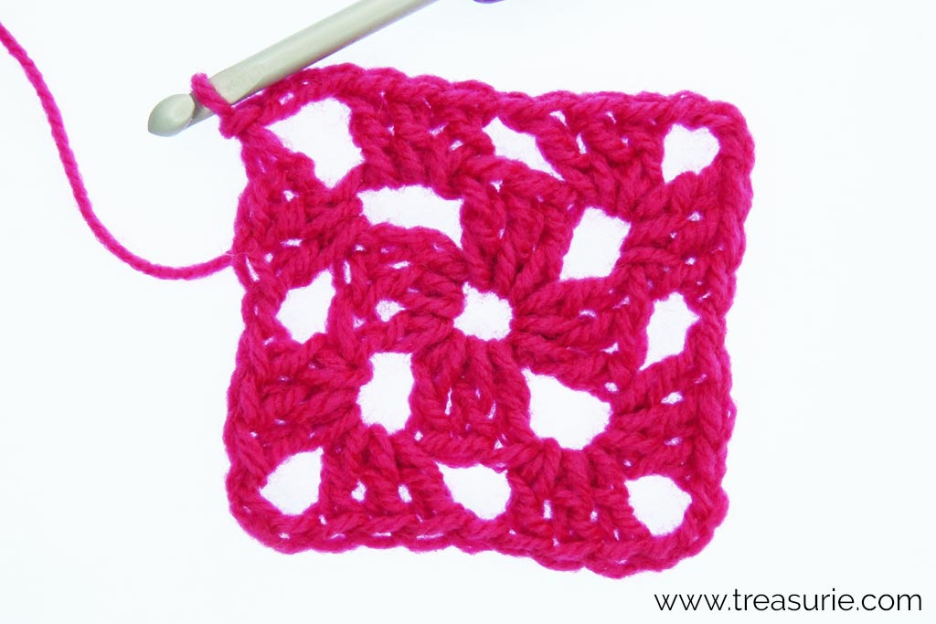 How to Crochet a Granny Square - sl st