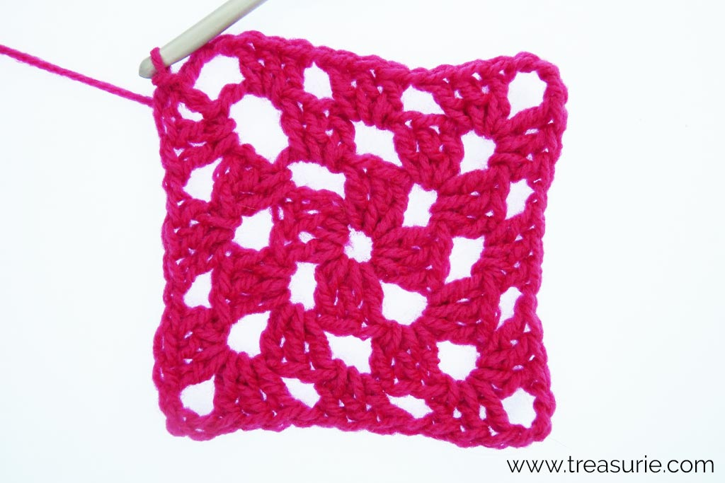 How to Crochet a Granny Square - Round 3