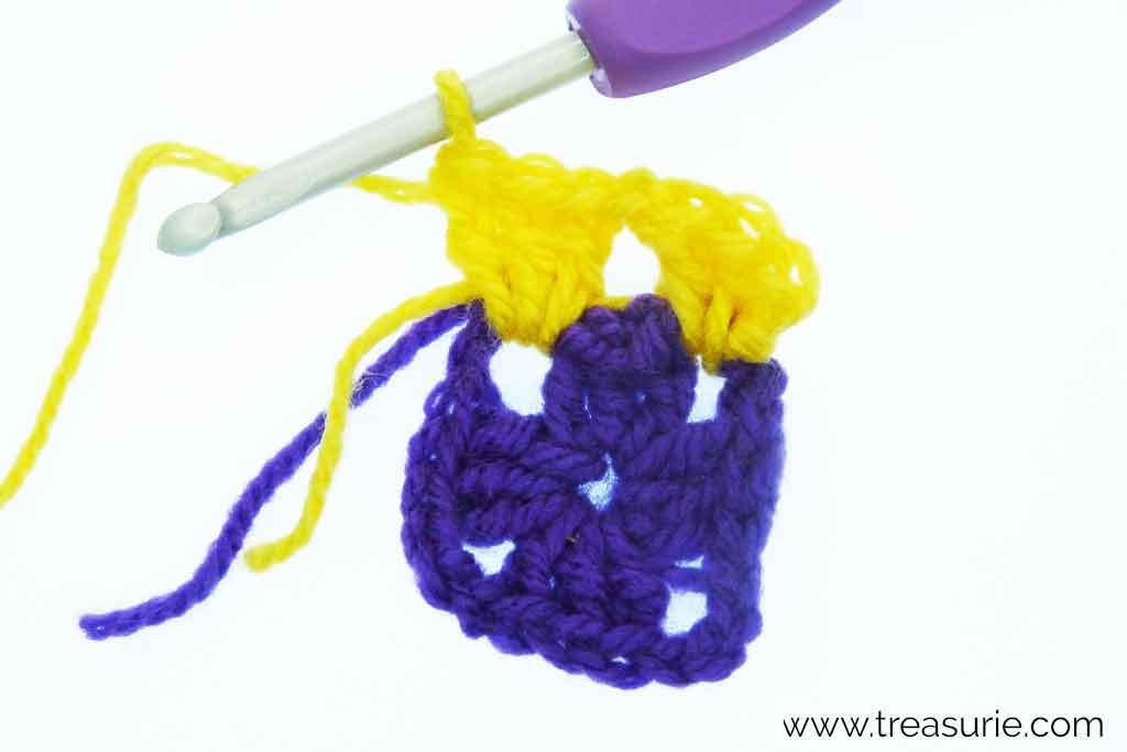How to Crochet a Granny Square -Multicolored