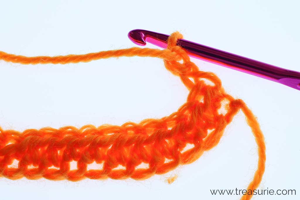 How to Half Double Crochet - Turning Chain