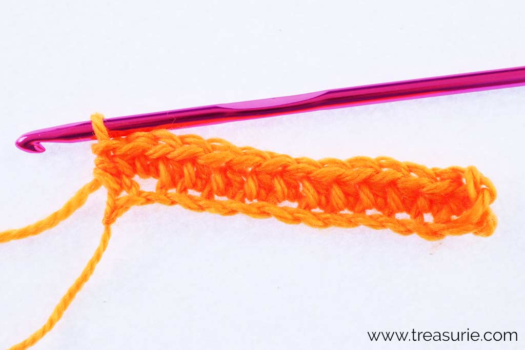 How to Half Double Crochet - First Row