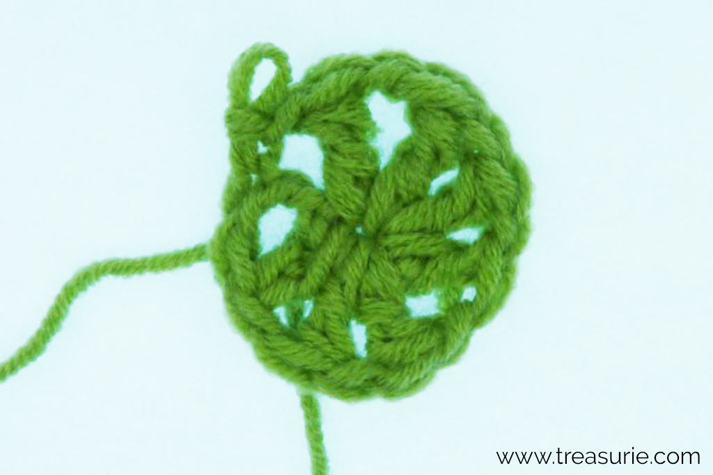 Half Treble Crochet Variation - Flowers