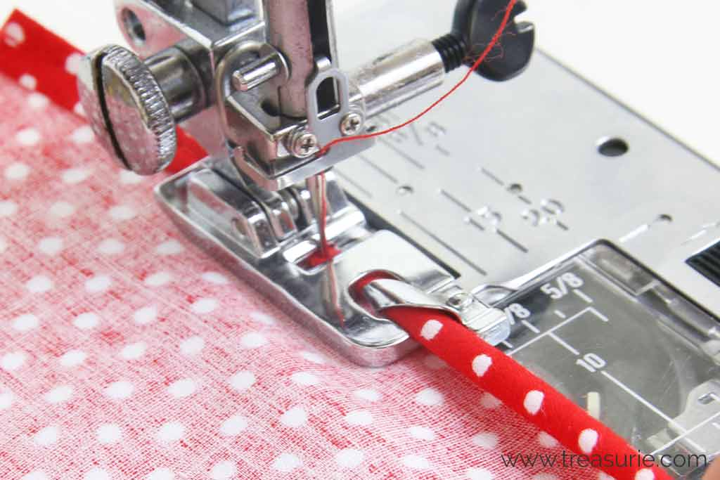 Hemming a Dress with a Rolled Hem Foot