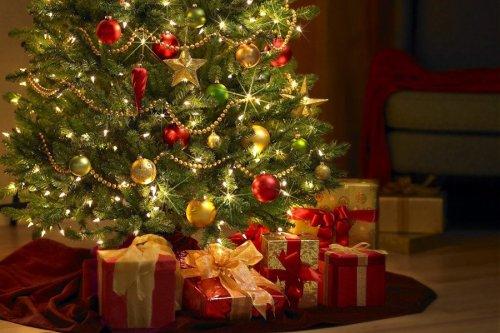 christmas-tree-wallpaper1024x7681_1024x1024