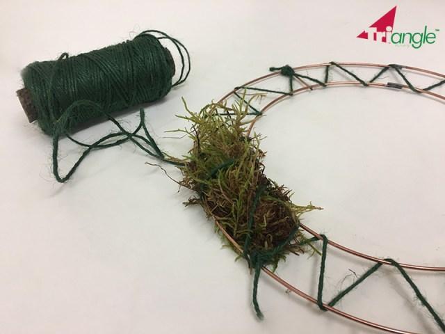 Learn How to make a Christmas Wreath