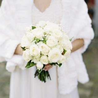 winter-wedding-bouquets-ideas1