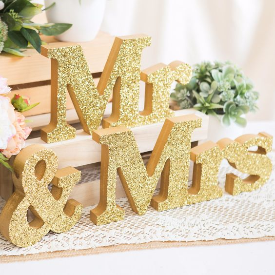 10 Ways to Use Glitter at your Wedding