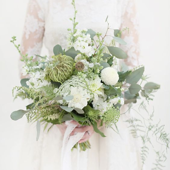Loose, Delicate Wedding Bouquet