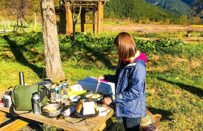 ▲星空露營區×露營地點-武陵農場露營自助炊事。(圖/Tripbaa趣吧!亞洲自由行專家)