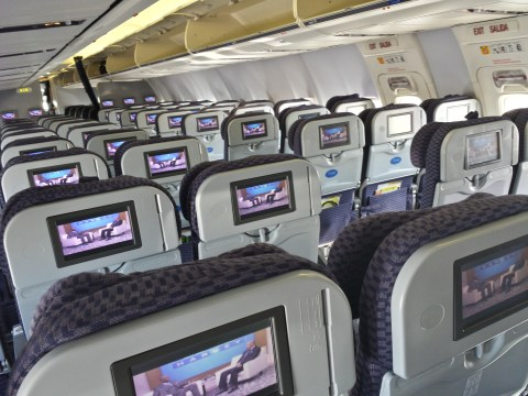 United's Cabin Configuration and In-Flight Entertainment - Boeing 737-900