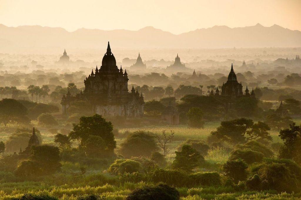Kuil Purba Pagan di Bagan Myanmar