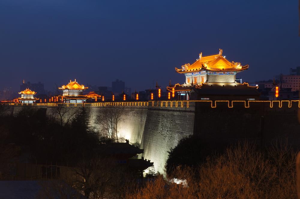 Pemandangan di Tembok Kota atau CIty Wall pada waktu malam